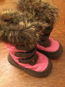 Baby Gap boots, size 4 toddler, new