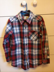 Boys size 5/6 Children's Place button up shirt