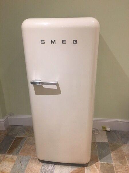 Smeg Fridge for spares or repairs