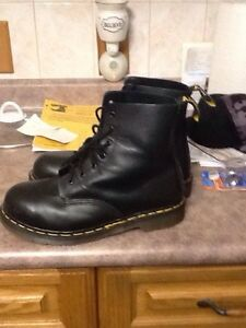 Steal toe boots 1 hour used Windsor Region Ontario image 1