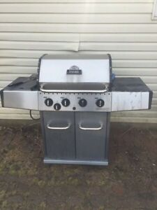 Bbq with side element and propane tank $125