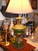 Superbe lampe antique/'40 style Néoclssque 36''porcelaineSIGNÉE