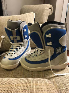 NEARLY NEW 5150 SNOWBOARD BOOTS MENS SIZE 10! Will trade**