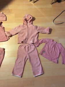 *Like New* 3 pieces Baby Roots set (size 18-24 month)