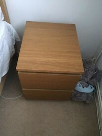 2 IKEA malm bedside tables