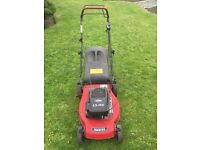 Briggs and Stratton petrol Self Propelled Lawnmower