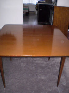 Honderich Walnut 1950's Dining Room Table with 3-Centre Pieces