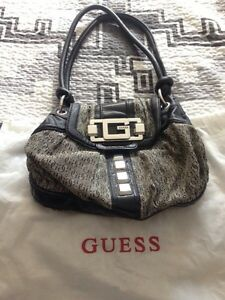 Guess purse Strathcona County Edmonton Area image 1