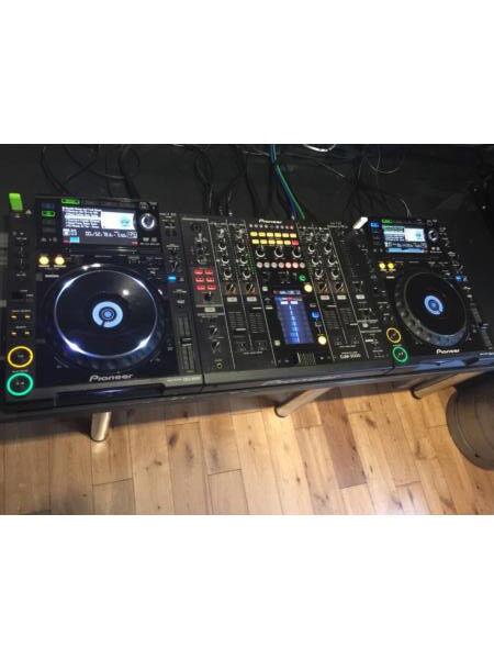 PIONEER CDJ 2000 decks x2 & DJM 2000