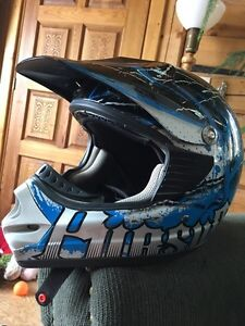 Xl motorized vehicle helmet