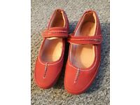 Red Moshulu shoes size 39