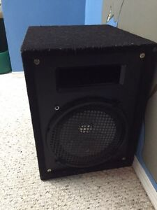 Set of 6x9 speakers in box and sub woofer