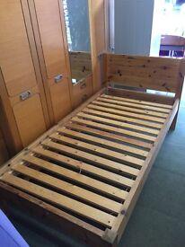 Pine. Bed. Single. Solid pine. Mattress.