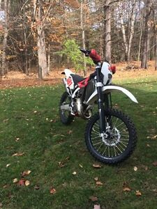 2010 Husqvarna WR125 with Blue plate  Peterborough Peterborough Area image 2