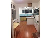 For rent 5 double room in Wembley Park with bills included