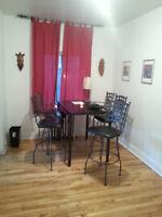 set de cuisine complet 6 chaises pivotante et table