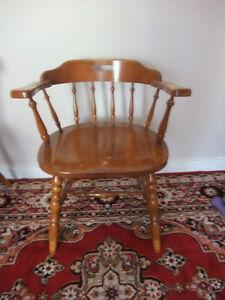Elegant chair (oak solid wood)
