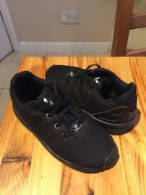 Kids adidas torsion black trainers