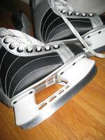 Boys Brand new Ice Skates Size 9Y (youth)