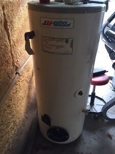 John wood oil fired water heater . Stratford Kitchener Area image 1