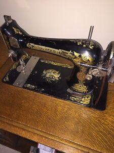 1910 Singer Sewing Machine Strathcona County Edmonton Area image 4