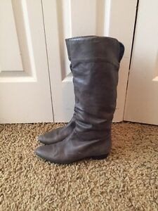 Aldo leather grey boots size 8 Cambridge Kitchener Area image 1