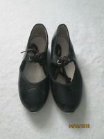 girl's size 13? tap shoes in good condition