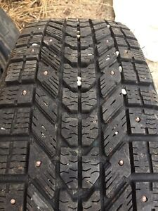185/65R15 Studded Winter Tires on Rims