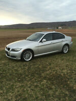 MUST SEE 2010 BMW 328 XI ALL WHEEL DRIVE LOADED 17,900