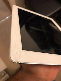 iPad 3 16gb Broken Glass