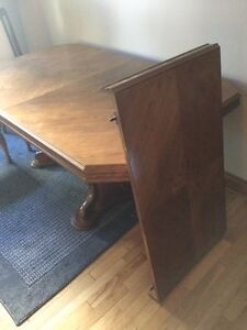 Solid wood kitchen table and 6 chairs, mint condition $650   Sarnia Sarnia Area image 2