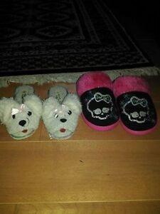 Kids Slippers size small