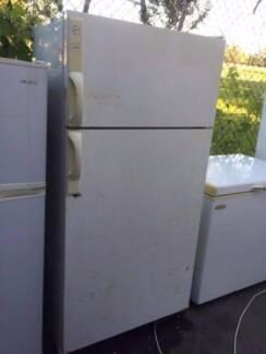 Large/ reasonable outside looking / 480 liter hoover fridge., can