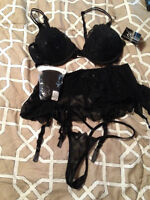 3 Piece Lingerie set - Sz Large w/Stockings New, with tags
