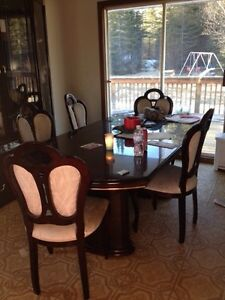 Dining room set /hutch
