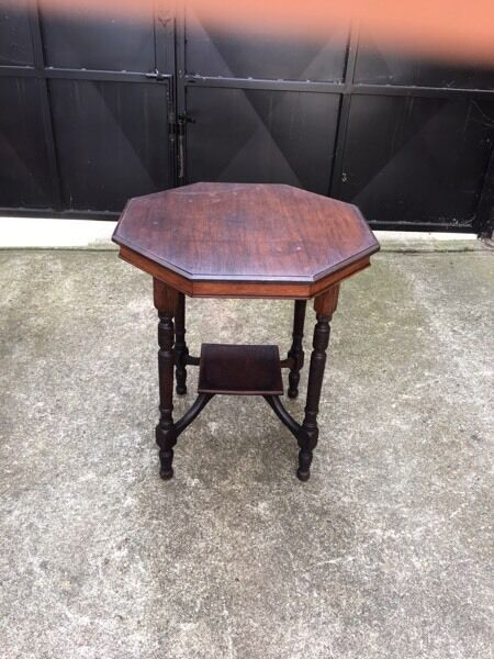 Solid wooden table •free delivery•20