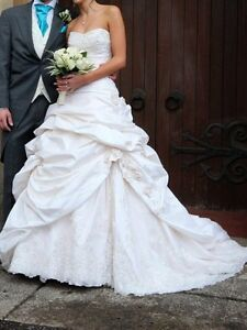 maggie sottero sabelle grown and veil  London Ontario image 3