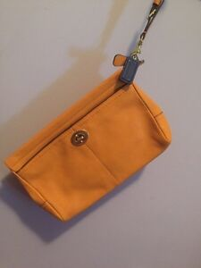New Authentic Genuine Leather Coach Clutch