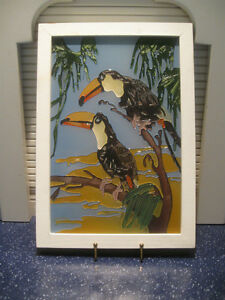 COLORFUL VINTAGE TROPICAL SOUTH AMERICAN BIRD WALL HANGING