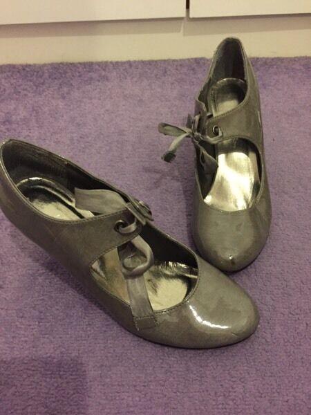 Grey heels size 4