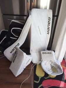 Bauer 2S Goalie Pads and Gloves