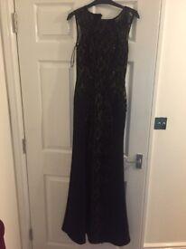 Ladies dresses 8/10