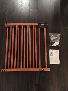 Summer stylish & secure deluxe wood stairway gate