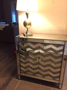 Like NEW Mirror Cabinet with chevron pattern & lamp  London Ontario image 4