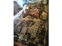 New York City single bed quilt cover set, two cushions and canvas