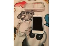 IPod Touch 5th Gen Blue/White 16GB