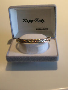 LADY'S VERY ATTRACTIVE [BRAIDED] COPPER CUFF-STYLE BRACELET