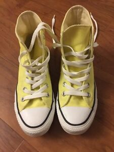 Converse shoes for sale size 6 for women St. John's Newfoundland image 1