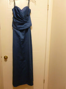 Beautiful Blue Dress Size 8 $40.00 Cambridge Kitchener Area image 1