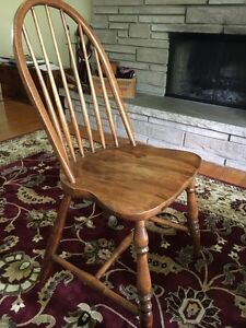 6 Antique Windsor chairs